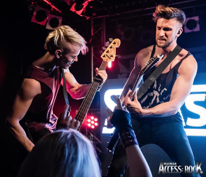 Smash Into Pieces_Madman_Access- Rock_Klubb Rebel Live-1-13